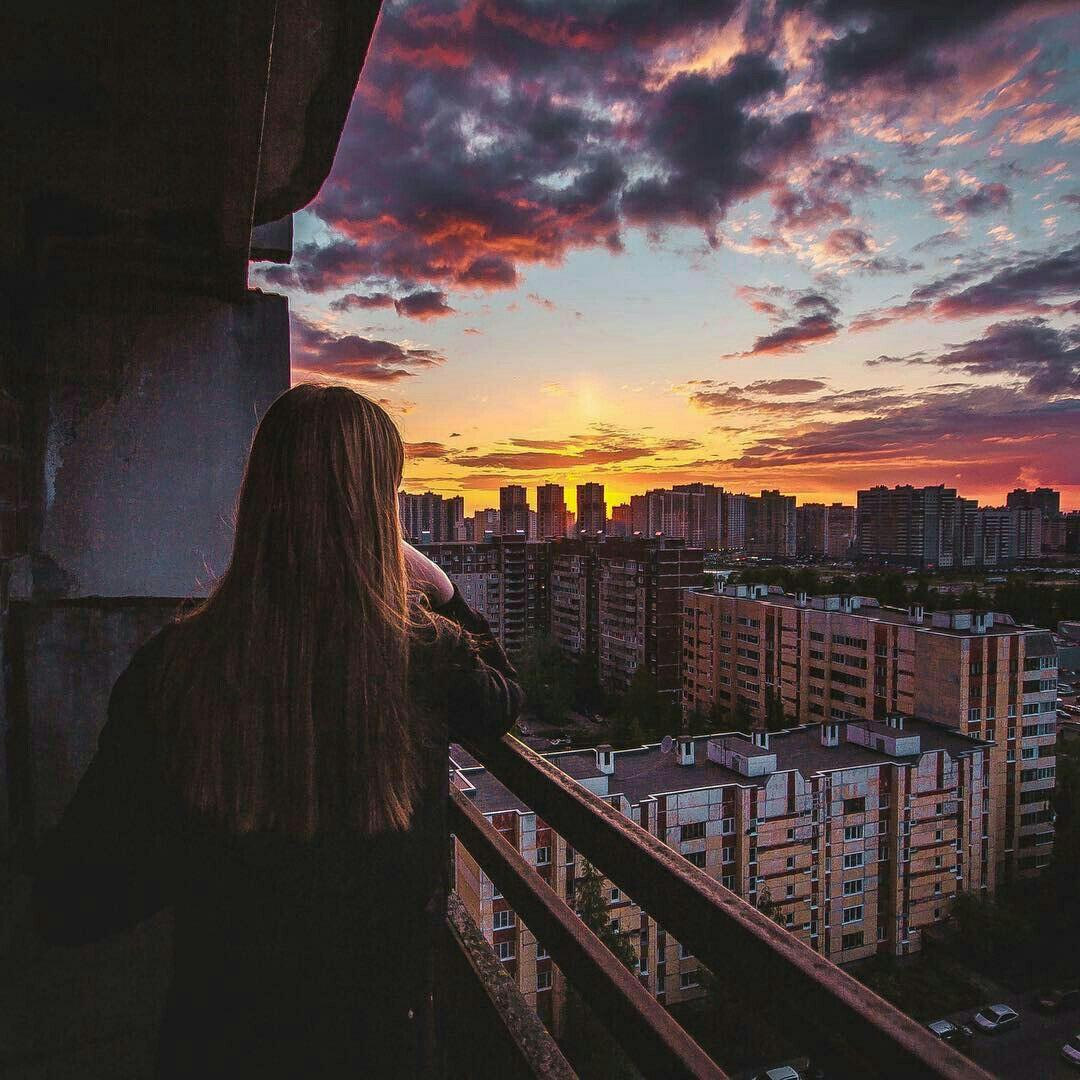 Фото девушек вечером на крыше без лица на аву » Портал современных ... | 1080x1080