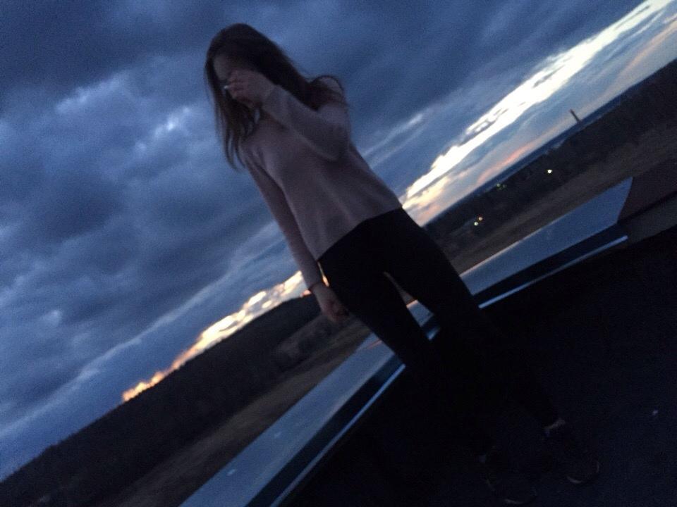 Фото девушек вечером на крыше без лица на аву » Портал современных ... | 720x960